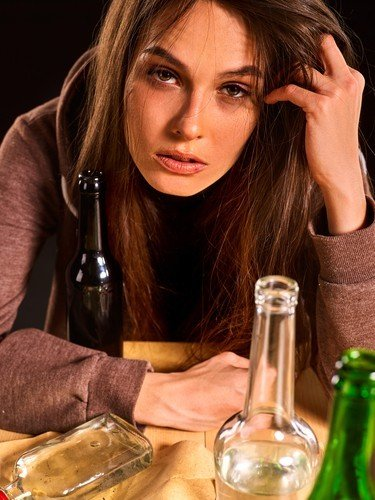 Alcoholism Signs: Do I Have a Drinking Problem?