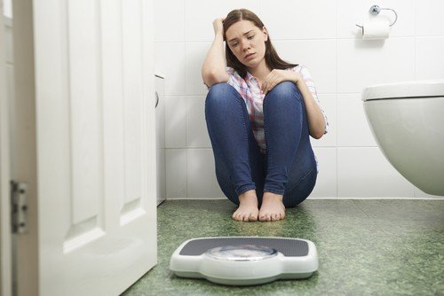 How to Identify Early Signs of an Eating Disorder